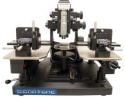 Micropositionneur pour multiplicateur de fréquence